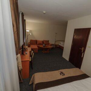 Хотел Камена***